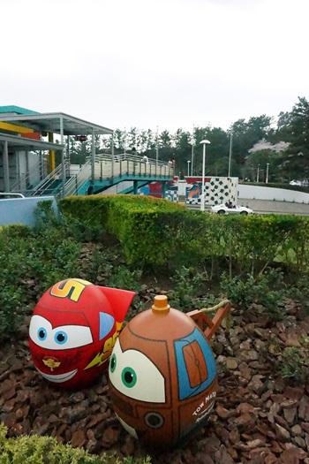 マックイーンとメーターのキャラクターエッグ イースター2015  エッグハント(東京ディズニーランド)