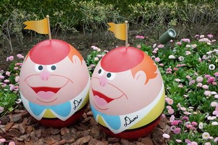 トゥイードルダムとトゥイードルディーのキャラクターエッグ:イースター2015  エッグハント(東京ディズニーランド)
