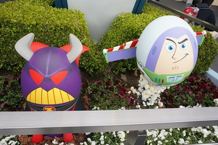 ザーグとバズライトイヤーのキャラクターエッグ:イースター2015  エッグハント(東京ディズニーランド)