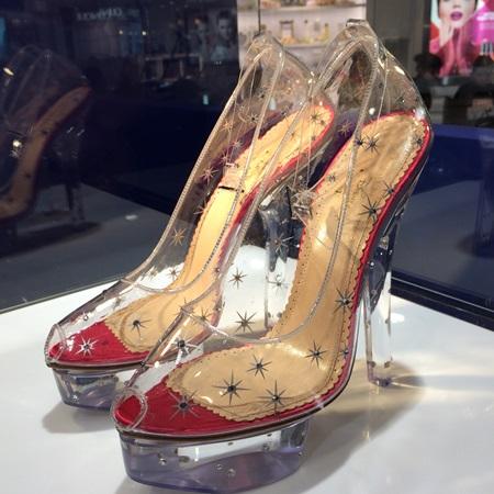 シャーロット・オリンピア(Charlotte Olympia)がデザインしたシンデレラの靴