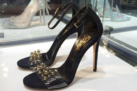 ジェローム・ルソー(Jerome Rousseau)がデザインしたシンデレラの靴