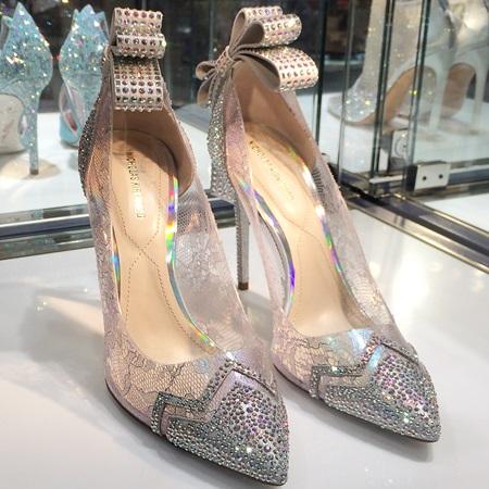 ニコラス・カークウッド(Nicholas Kirkwood)がデザインしたシンデレラの靴