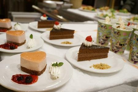 東京ディズニーランド クイーンオブハートのケーキ