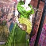 【ディズニーシンデレラ】実写版シンデレラのまま母たちの衣装が派手だけどキレイ