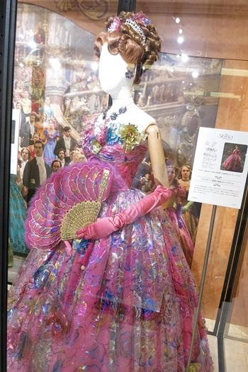 アナスタシアのドレス:舞踏会場:ディズニーシンデレラエキシビジョン銀座三越