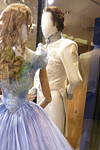 王子の衣装:舞踏会場:ディズニーシンデレラエキシビジョン銀座三越