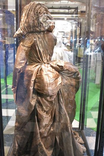 シンデレラエキシビジョンの老婆の衣装