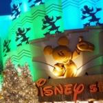 舞浜イクルピアリにあるディズニーストアもクリスマス仕様