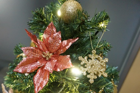 イイハナ ミニツリーセット「エンジョイ・クリスマス~エレガンスゴールド~」60cm(LEDライト付き)