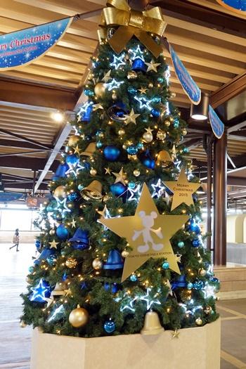 2015年東京ディズニーシー・ステーションのクリスマスツリー