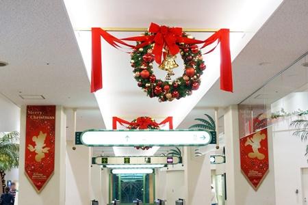 2015年ディズニーリゾートゲートウェイステーション構内のクリスマス