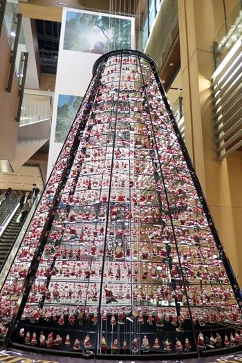 2015年東京ミッドタウンクリスマスイルミネーション サンタツリー